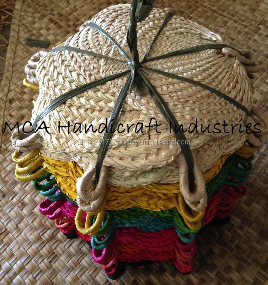 PALM LEAF FANS PAI PAI RAFFIA FAN WOVEN FANS BURI HAND FAN NATURAL FANS NATURAL FANS RAFFIA FANS NATURAL HAND FAN COLORED