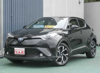 Right Hand drive Black 2017 Toyota CHR Hybrid S package with Monitors navi
