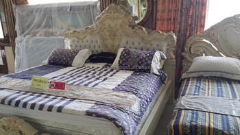 SOLID WOOD BED, LUXURIOUS VENERE BED ROOM SET
