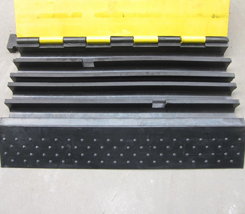 2018 Hot selling yellow jacket cable protection cable ramp