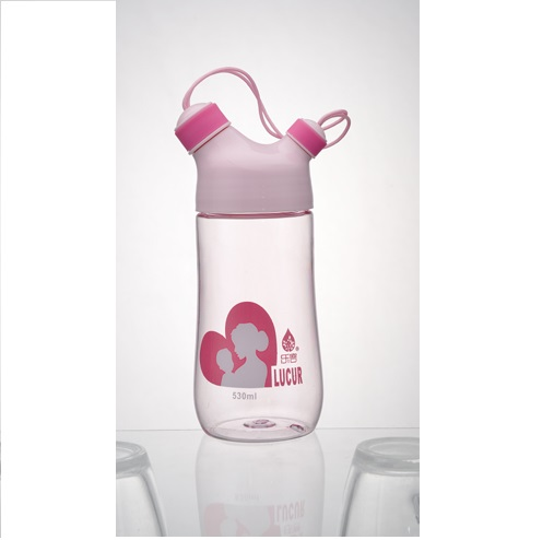 BPA Free 530ML Mom and baby Plastic water bottle with custom logo