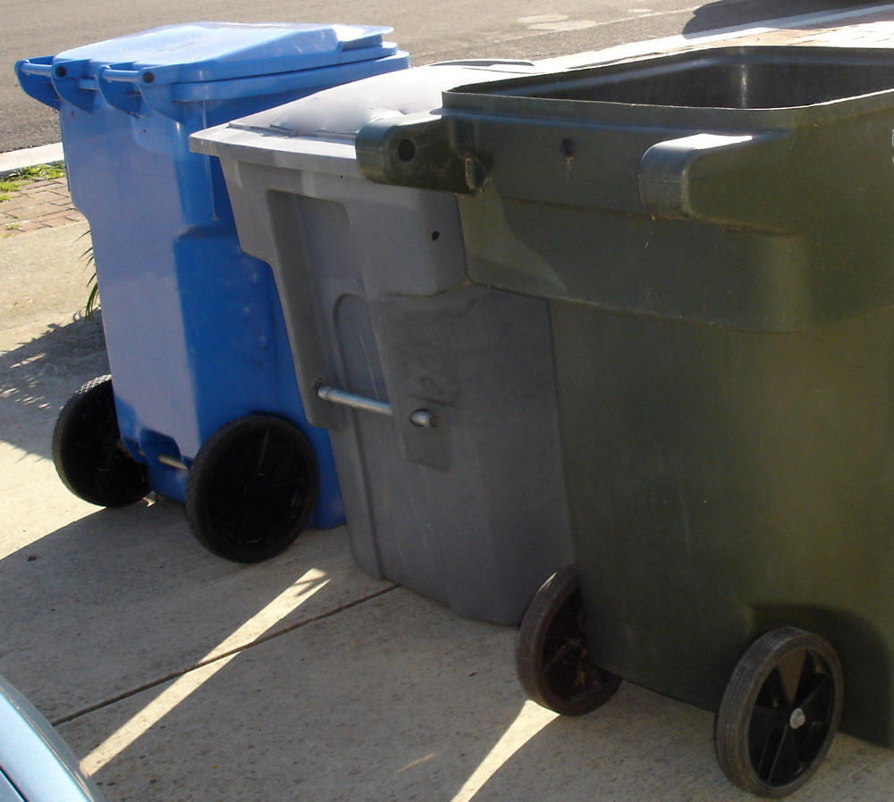 Plastic Waste Garbage Bin With Wheels