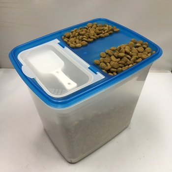 DOG FOOD STORAGE: DOG FOOD CONTAINER & SCOOP