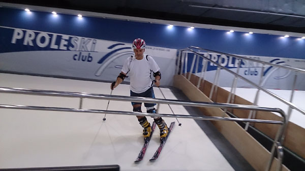 Ski and snowboard on revolving slopes Infinite snow slope Proleski indoor simulator for body training Indoor ski machine