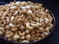 Raw Cashew Nut from Ivory Coast (One of the largest producer of cashew nuts). Packing: jutes bag 80 kg