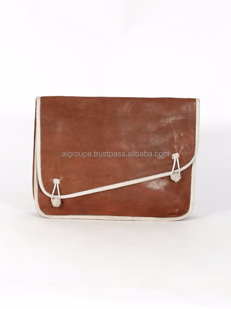 Long pocket simple bag, ,made of calf leather with matching shades