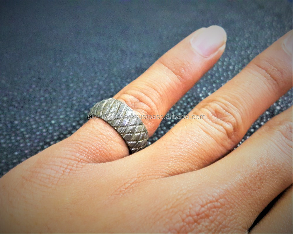 Beautiful Damascus Steel Couple Ring For Gift (File Work) Female Ring