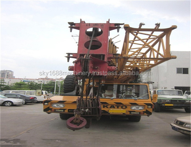 Used Kato 120T truck crane with good working condition