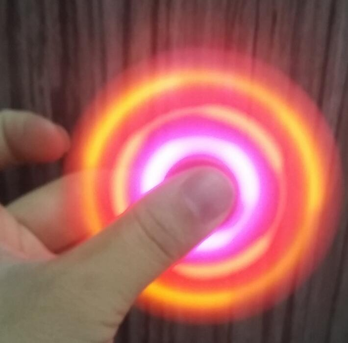 Hot sale promotional gift plastic hand spinner with led light