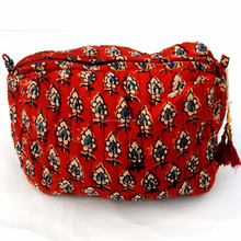 Wholesale cosmetic makeup coin bag handmade wedding gift waterproof zipper bags
