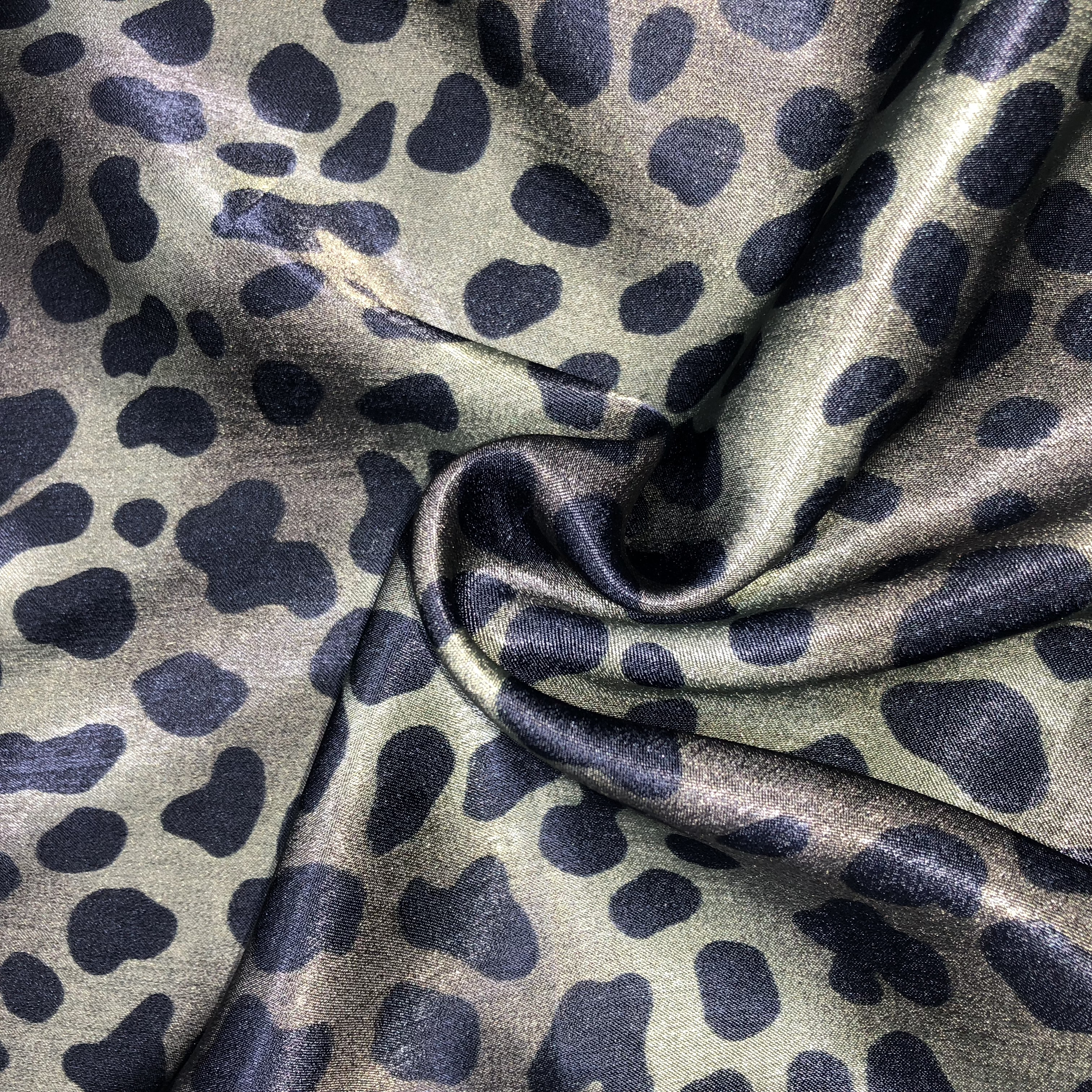 polyester leopard or animal printed chiffon fabric for summer clothes dress <strong>thickness</strong>