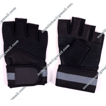 Hot sales men black half finger gym glove sport glove with swache bandage