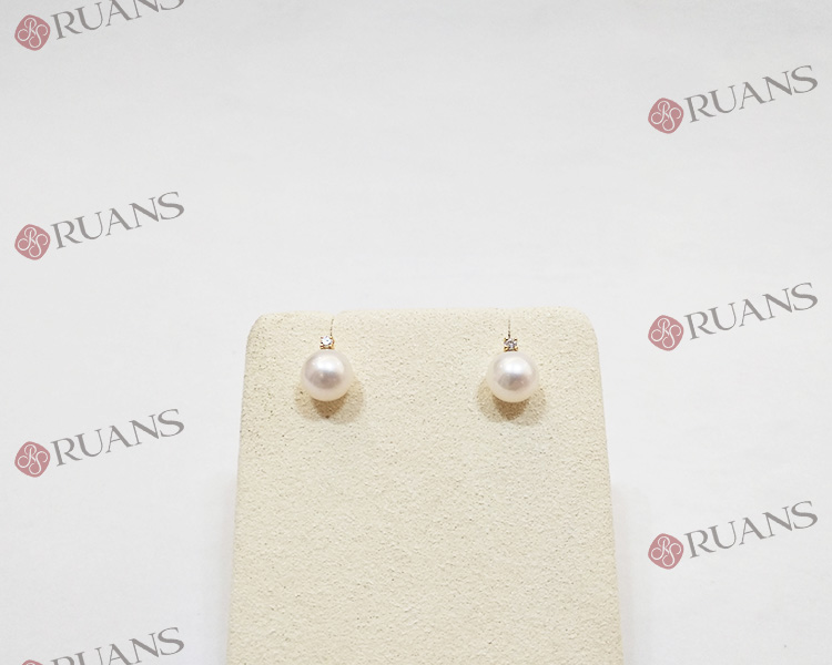 18k Gold White Pearl Fresh Water Pearl Earring With Diamonds