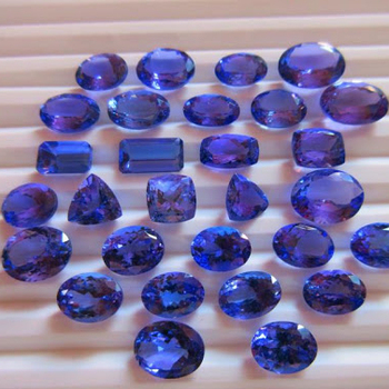 mixed shapes 2-5 carats size faceted loose gemstone a quality natural tanzanite gemstone