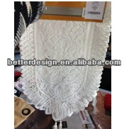 ROUND LACE TABLE RUNNER