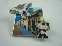 arts and craft metal gold pin badge