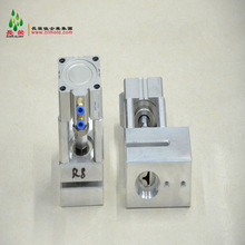 Pneumatic plastic hole punch mould for corner rounder