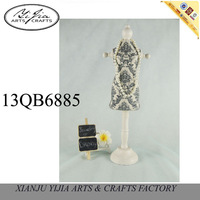 Blue and white porcelain mannequin jewelry display for necklace& home dector