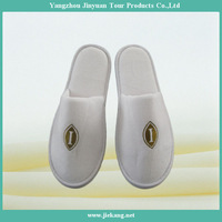chinese velvet embroidered personalized hotel slippers