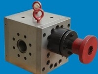 hot polymer melt gear pump for blow film extrusion