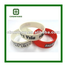 2012 fashion 3/4 inch silicone wristbands