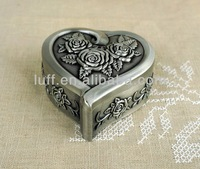 hot selling wholesale high end quanlity zinc alloy antique silver rose flowers engraved heart shaping princess jewelry box