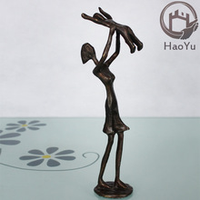 cast iron metal arts and craft mother and child sculptures for home decoration the Mother and son