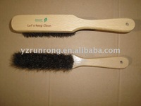 Bed cleaning brush