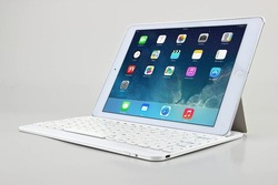 Ultra Slim Detachable Bluetooth Keyboard for iPad Air 2