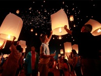 Alibaba china supplier wholesale flying lantern paper balloons for birthday