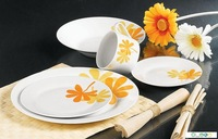 fine porcelain brand names of dinner set of catering crockery with decorated rim