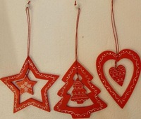Red star tree heart shaped wooden Christmas tree ornament