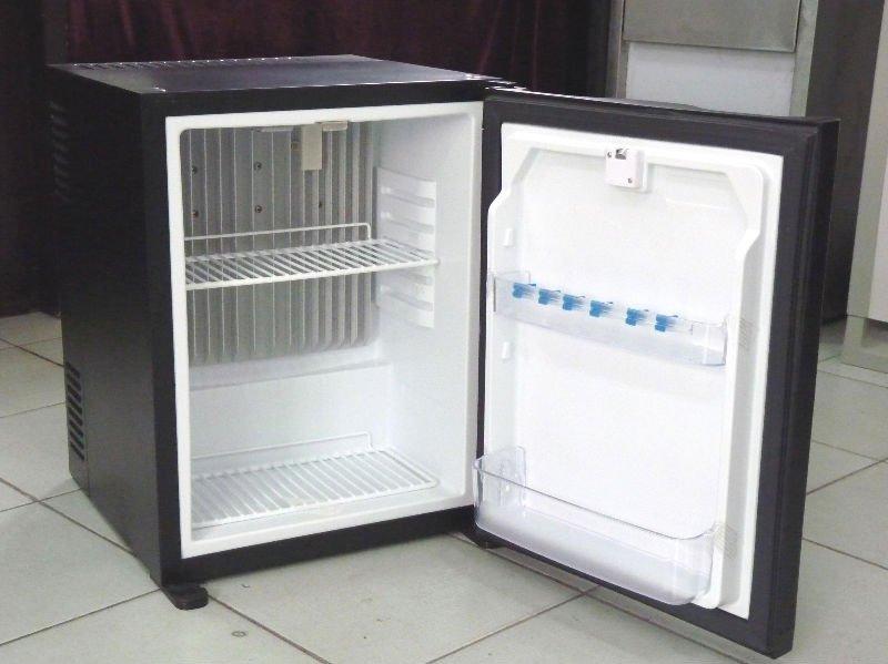 Mini Kühlschrank Für Das Büro : Heißer verkauf hotel und büro normalen verwendet hotel kühlschrank