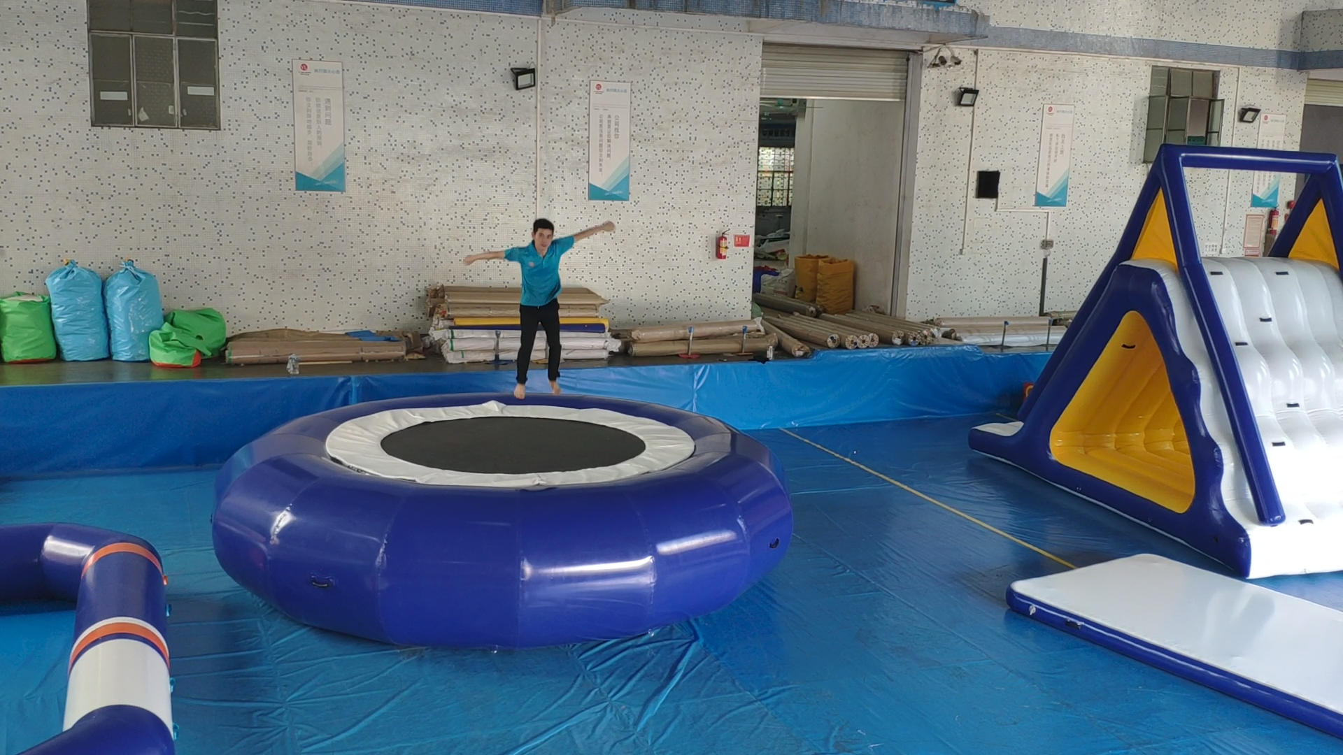 Commercial Floating Combo Inflatable Trampoline Water Play Equipment with Slide