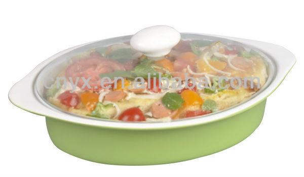 White Ceramic Oval Bakeware With Glass Lid