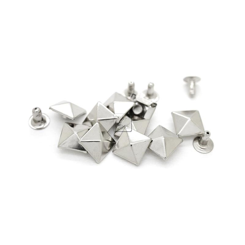 Factory Direct Supply Good Price Custom Metal Pyramid Rivet for Bag Clothing