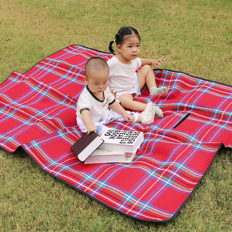 Portable acrylic check pattern waterproof outdoor camping mat