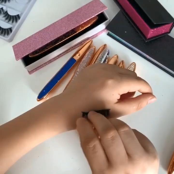 Baru Tahan Lama Private Label Tahan Air Perekat Eyeliner Cair Pena Magic Eyeliner Glue Pen Wtih Kotak