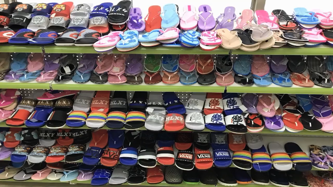 Gepersonaliseerde Plastic Doos Vrouwen Roze Slipper Schoenen Zwart Plaid Platform Slip Op Flip Flop Plus Size 47 Slippers