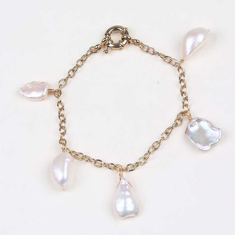 Simple design gold plated keshi pearl pendant chain charm bracelet