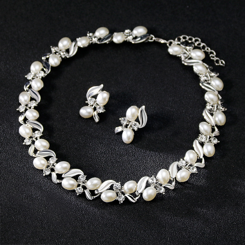 Trendy Wedding Bridal Accessories Imitation Pearl Necklace Earrings Set Indian Jewellery Set Wholesale