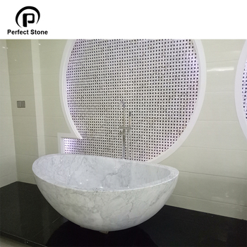 Italian Classic Design Bathtub With White Cararra Bathroom Tub