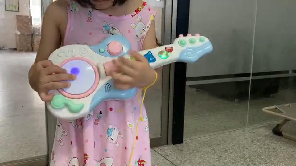 Kartun Bayi Mainan untuk Anak Laki-laki dan Perempuan Drum Rebana Musik Tumbuh Gigi Belajar Musik Gitar Bayi Pendidikan Mainan Pendidikan