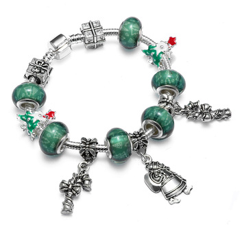 DIY Charms Bracelet With Green Crystal Rhinestone Bead Christmas Beaded Bracelet