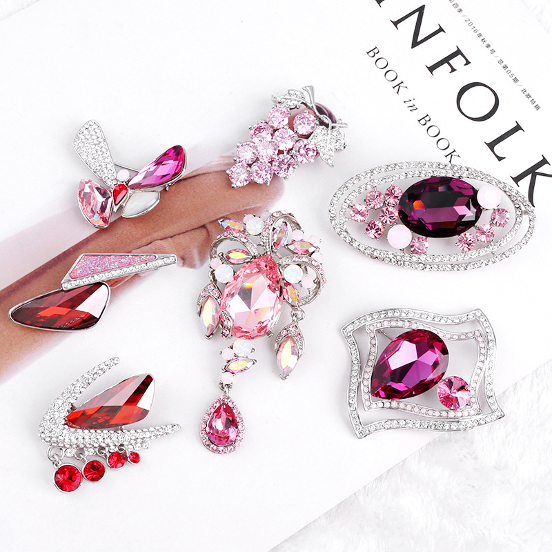 European and American Fashion luxury shiny crystal rhinestone butterfly bow flower shape brooch for dress accessories wholesale