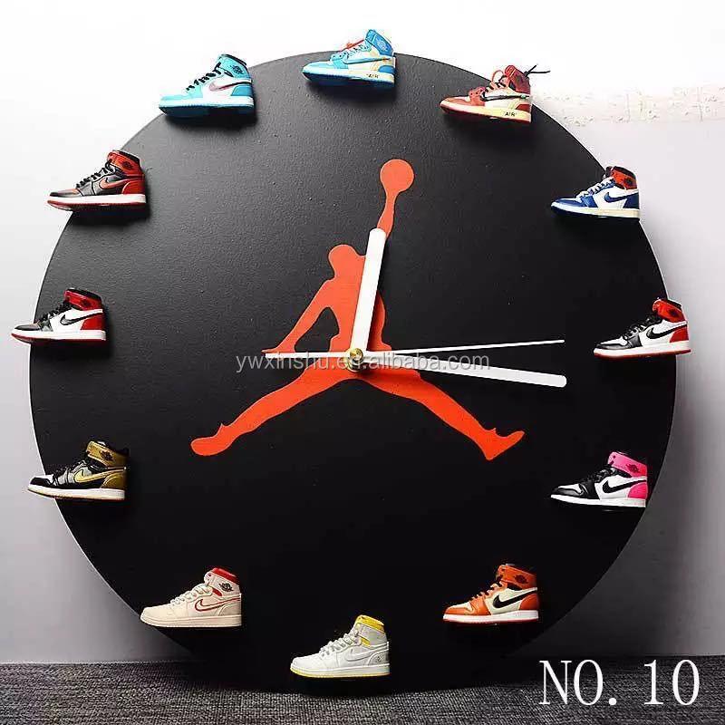 Ídolo Alcalde en general  3d Air Jordan Zapatillas De Deporte Reloj Y Reloj De Alta Calidad Aj  Zapatillas Jordan Reloj De Pared - Buy Reloj Jordan Sneakers,Reloj Air  Jordan,Mini Llavero De Zapatillas Product on Alibaba.com
