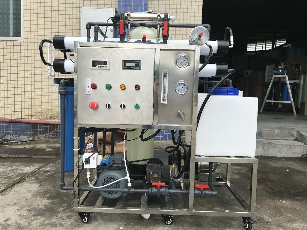 product-200lphDesalinator Brackish Seawater Sea Water Desalination Machine Ro Reverse Osmosis Indust