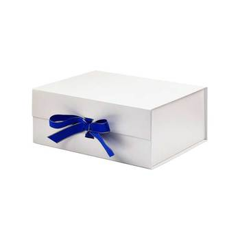 Luxury paper white rigid magnet fold a gift packaging box with magnetic closure lid