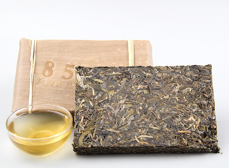 Chinese Yunnan Menghai puer tea brick, old tree 8582 classical unfermented tea brick 250 grams - 4uTea | 4uTea.com
