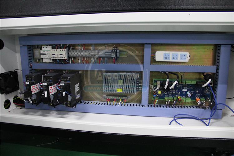 Hot sale fiber laser cutting metal machine 4X8 ft laser cutting machine with computer AKJ1325F